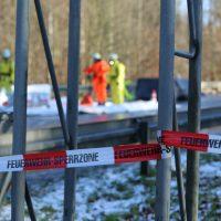 2019-12-10_B30_Ravensburg_Enzisreute_Baindt_Lkw-Unfall-Gefahrgut_Feuerwehr_PoeppelIMG_2509