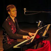 201912222019-12-22_Augsburg_Chris-Murray_Joy-of-Voice_Christmasshow_Poeppel_0275