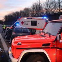 2020-02-25_A96_Leutkirch_Aichstetten_Lkw_Pkw_Feuerwehr_BX4A3096