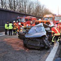 2020-02-25_A96_Leutkirch_Aichstetten_Lkw_Pkw_Feuerwehr_BX4A3098