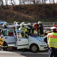 2020-02-26_A96_Stetten_Erkheim_Unfall_Feuerwehr_Bringezu (10)