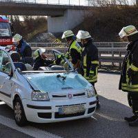 2020-02-26_A96_Stetten_Erkheim_Unfall_Feuerwehr_Bringezu (17)
