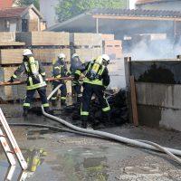2020-04-28_Unterallgaeu_Lauben_Brand_Industrie_Paletten_Feuerwehr_Bringezu_94A5151D-1A54-4367-8D04-2397093380F4