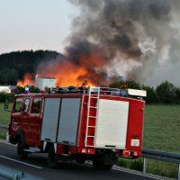 2020-05-29_Unterallgaeu_Groenenbach_Zell_Brand_Saegewerk_Feuerwehr_Polizei_Poeppel_IMG_6895