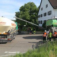 2020-07-13_B312_Edenbachen_Lkw-Unfall_Silozug_Feuerwehr_Kutter_pel_IMG_7202