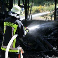 2020-07-25_Oberallgaeu_Weitnau_Untereinoeden_Brand-Stadel_Feuerwehr_Bringezu_IMG_7438