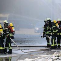 2020-08-10_Kempten_Ursulasried_Band_Halle_lackiererei_Feuerwehr_Poeppel_IMG_9453