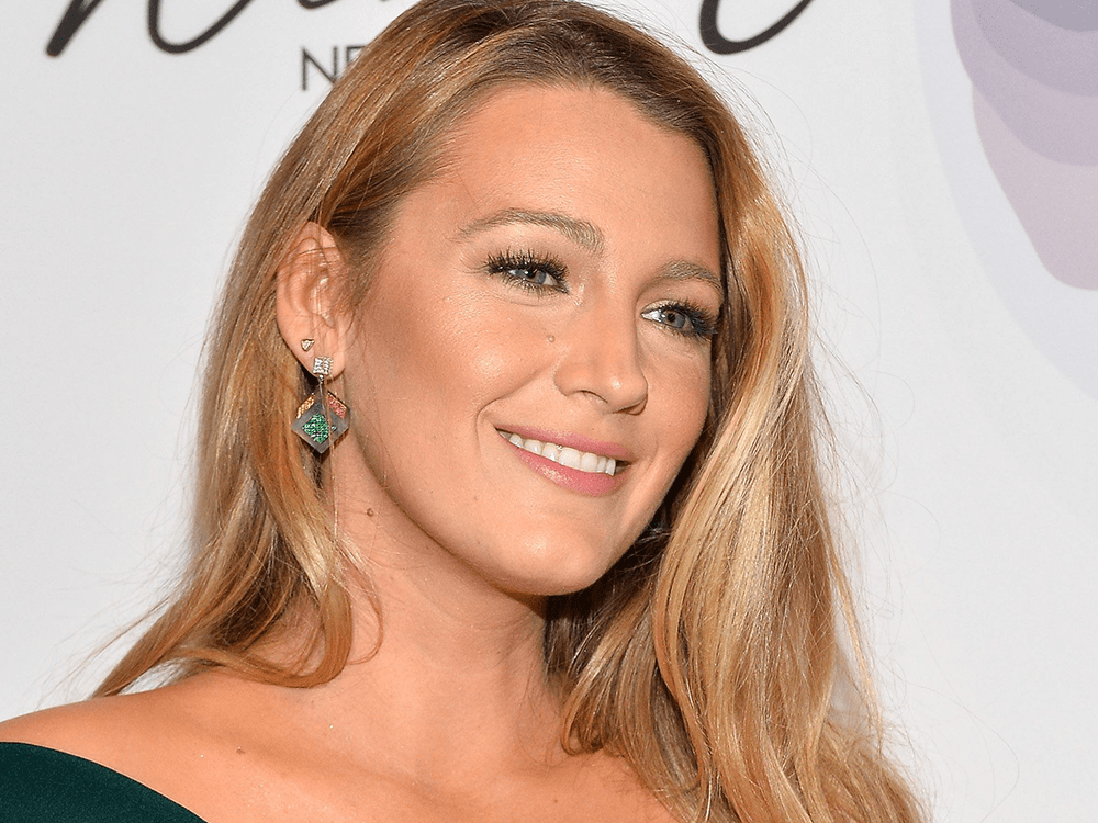 Blake Lively Just Dyed Her Hair the Perfect Transition Color for Fall featured image