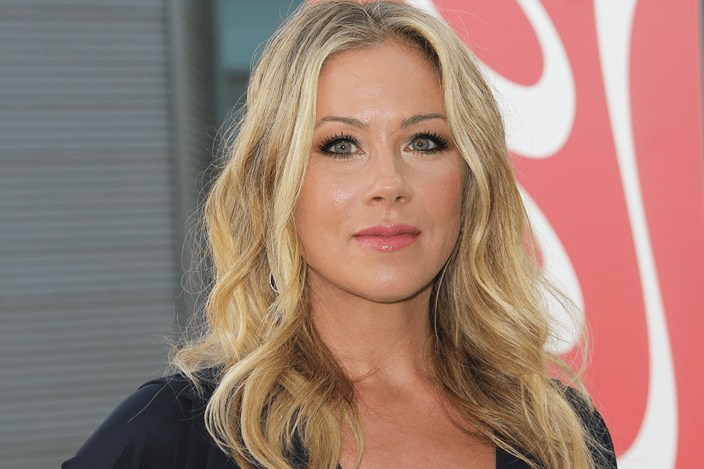 Actress Christina Applegate Removes Her Fallopian Tubes As an Attempt to Prevent Ovarian Cancer featured image