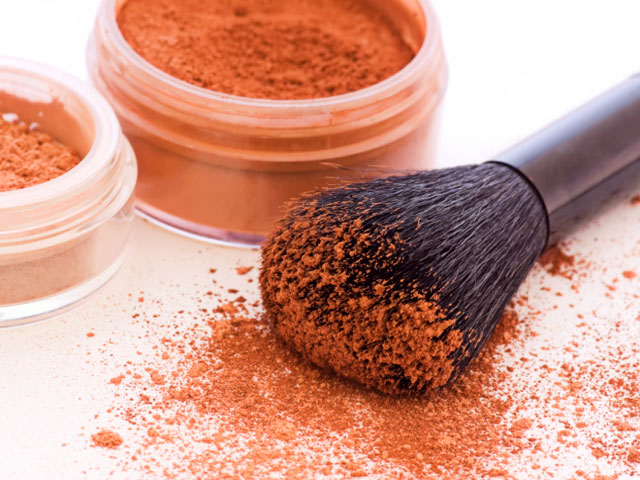The Pros And Cons Of Mineral Makeup featured image