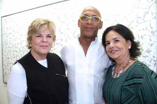 Art patron Ella Fontanals-Cisneros, Cuban artist René Francisco and gallerist Nara Roesler at her HQ in São Paulo/Photo: Denise Andrade