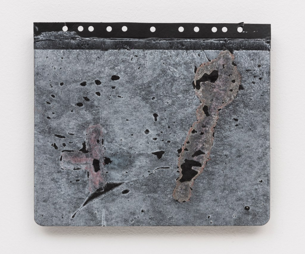 Antonio Dias, Untitled, 1987, Acrylic on card, 25 x 29 cm/Photo: Ding Musa