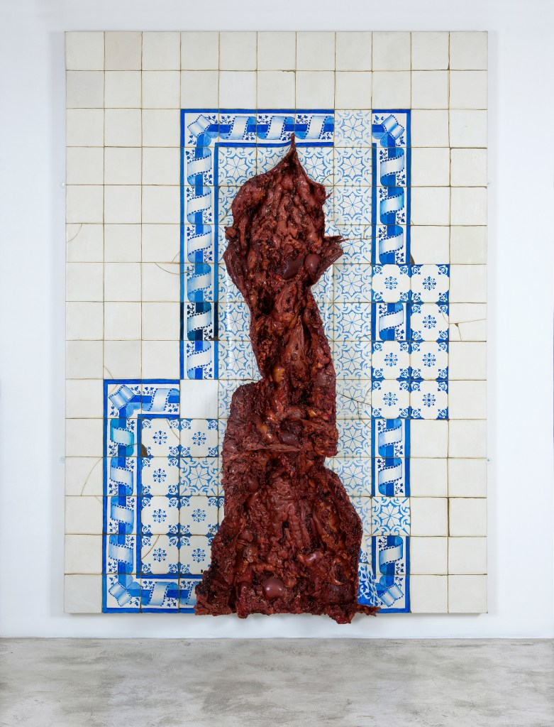 Adriana Varejão, Azulejaria com incisura vertical, 1999, Oil on canvas, 221 cm x 163 cm x 29 cm, Andrea e José Olympio Pereira Collection/Photo: Romulo Fialdini