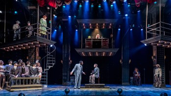 """Razzle Dazzle"" Fiddle Faddle: A Review of Chicago at Drury Lane Theatre"