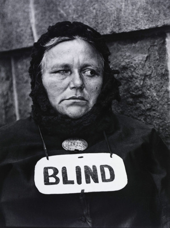 blind_woman_new_york_1916_by_paul_strand