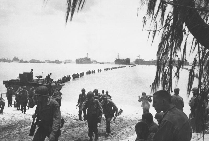 WAR CONFLICT BOOKERA: WORLD WAR II/WAR IN THE EAST/ISLAND CAMPAIGNS - W.E. Smith