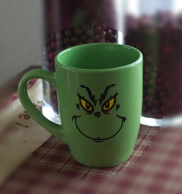 grinch-coffee-cup