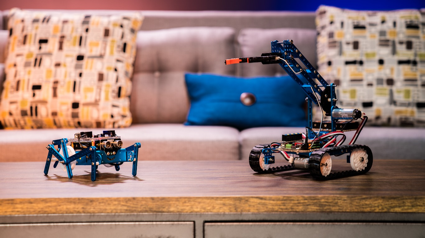 STEM robots from Makeblock teach coding at a young age
