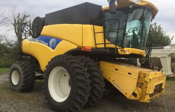 New Holland CR9040
