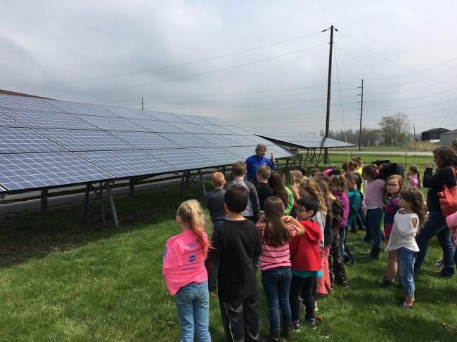 1st Graders Solar Visit 4-22-16 1