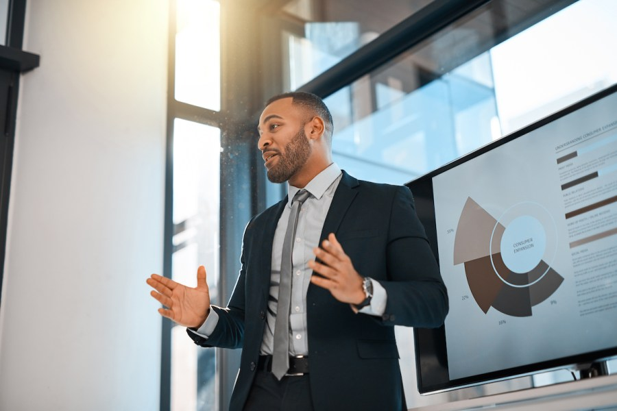 8 Tips to Help You Give Confident Business Presentations