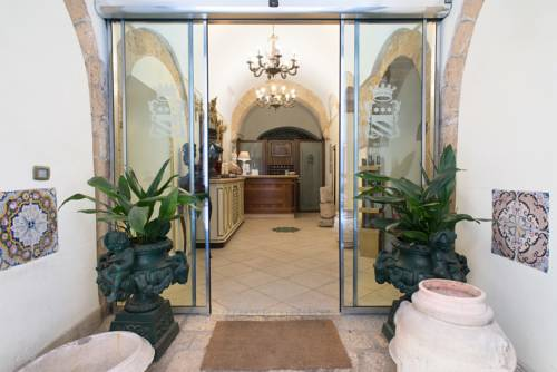 Hotel Akropolis Coupons