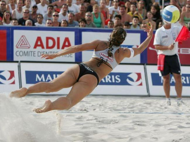 le-beach-volley-a-paris-2806_full_diapos_large-1