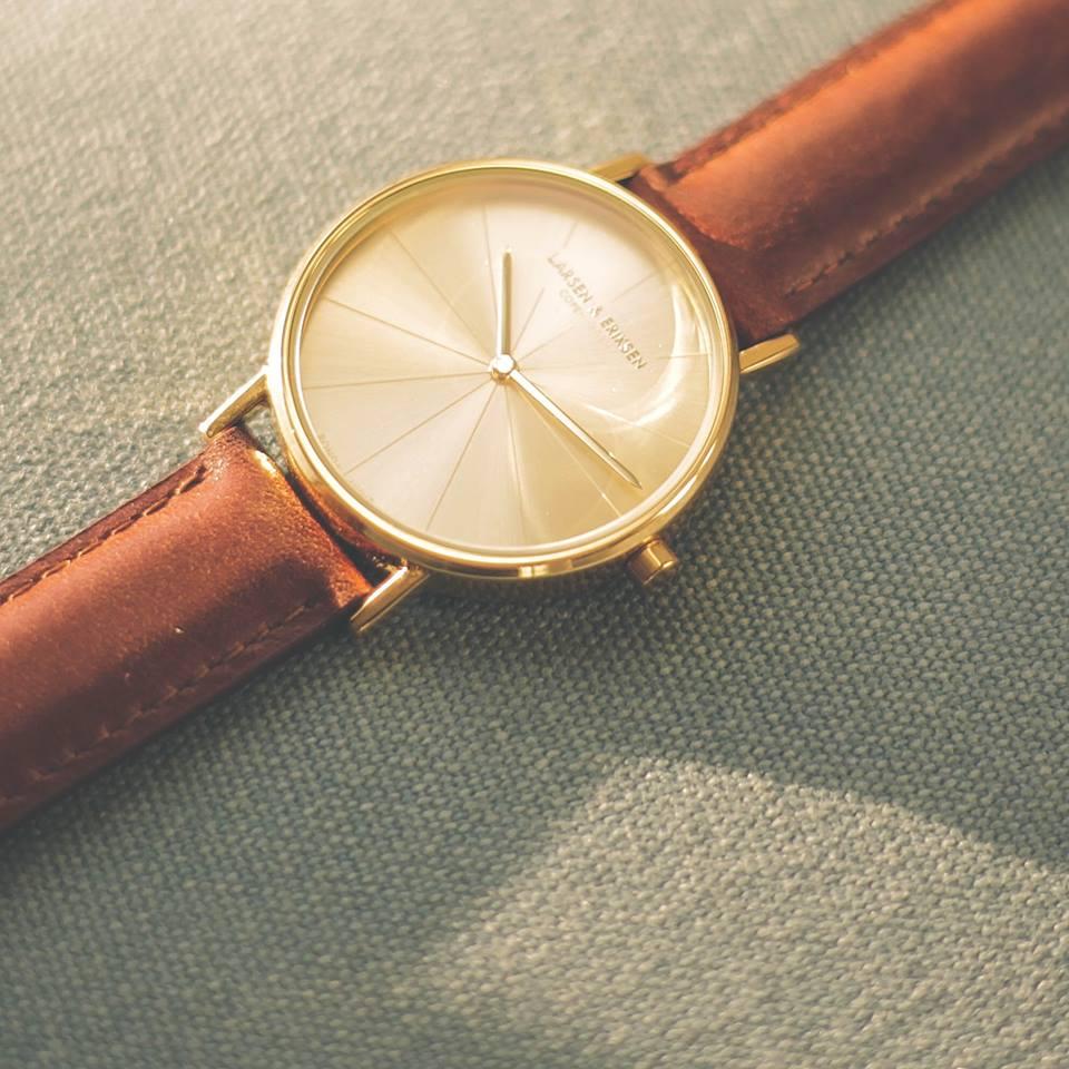 Larsen Eriksen Watches. Gold Gold Brown