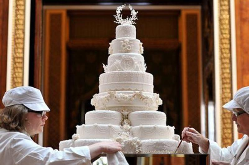 william and kate wedding cake chocolate 13 most extravagant amp beautiful wedding cakes 27485