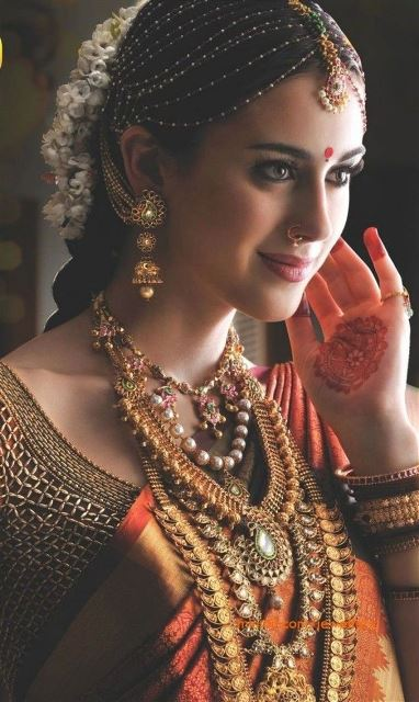 Strange 15 Indian Wedding Hairstyles For A Traditional Look Short Hairstyles Gunalazisus