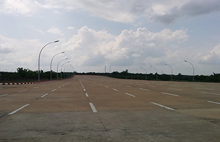 A 20-lane highway in Naypyitaw. Photo supplied.