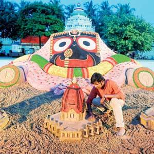 Sudarshan Patnaik Sand Art at Puri for Ratha Yatra 2013