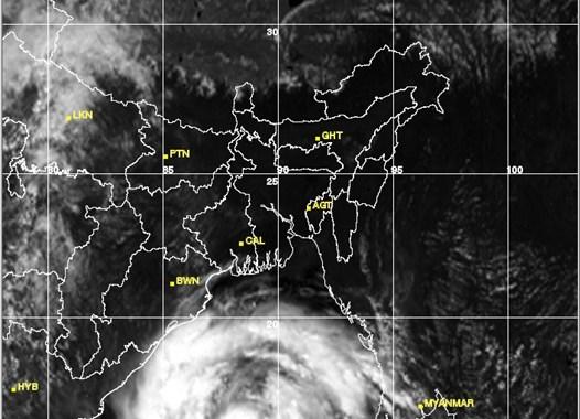 Super Cyclone Phailin Photos Coming Towards Odisha- 11/10/2013