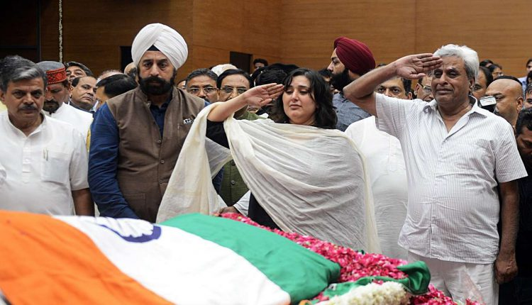 Sushma Swaraj cremated with full state honour, leaders pay heartfelt tributes