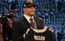 Kenny Vaccaro's kontrakt på plads som den første.