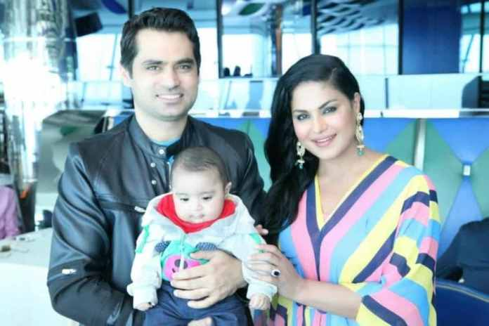 Actress and Filmstar Veena Malik makes headlines after het leaked Audio call to her ex-husband goes viral on social media