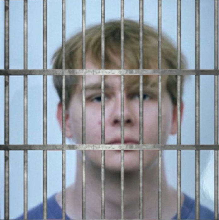 Memes showing YouTuber YouTuber Callmecarson in the jail for grooming allegations