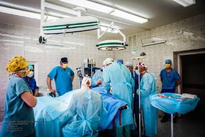 CUF's team operates at the Ukrainian Military Hospital.  Photo: Adriana Luhovy