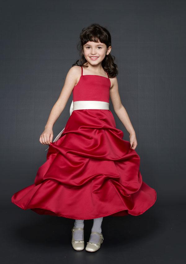 b93fc031e ... فساتين اطفال بنات صغار ، كولكشن صور فساتين وملابس , فساتين اطفال  للاعراس في دبي ، اجمل فساتين للاطفال , صور فساتين اطفال جميلة ,احدث تشكيلة للاطفال  2018 ...