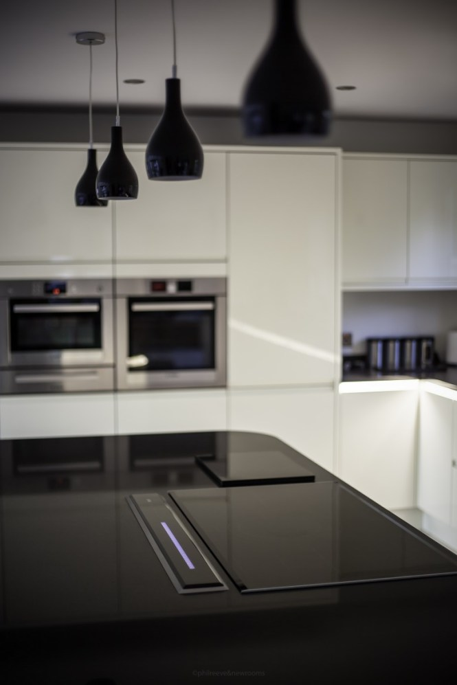 Bosch induction hob in Silestone Negro Tebas