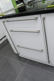 Second Nature Porter white gloss pan drawers