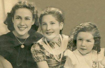 sisters3.jpg