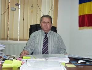Profesorul Eugen Mihai, primarul comunei Boghicea