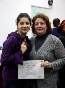 Mara Ieşanu şi profesoara Crenguţa Radu