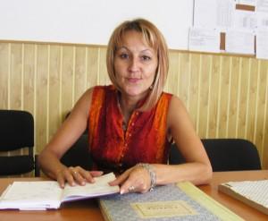 """Profesoara Luminiţa Boloca, directorul Școlii """"Calistrat Hogaş"""""""