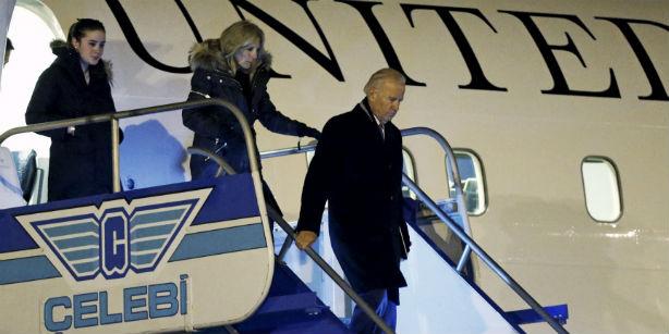 Джо Байден прибыл в Стамбул