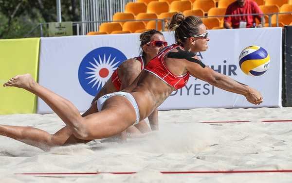 В Анталии стартовал турнир FIVB по пляжному волейболу