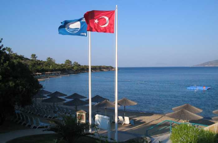 Турция на втором месте по пляжам с «голубым флагом»