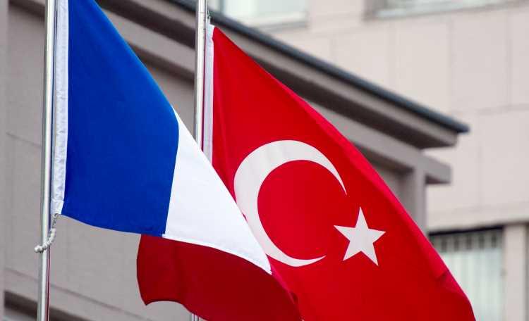 Макрон: «Разговор с Анкарой будет жесткий»