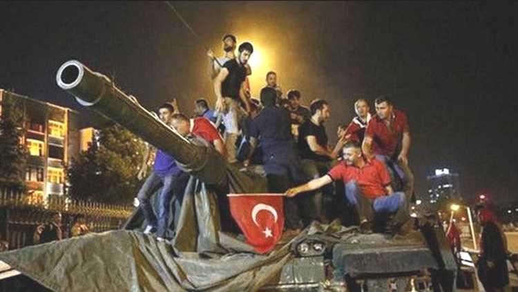 День демократии и национального единства: 5 лет после путча